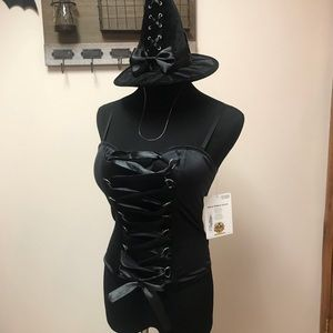 Front lace up corset & Witch Hat
